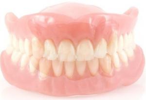 Фото силиконового зубного протеза